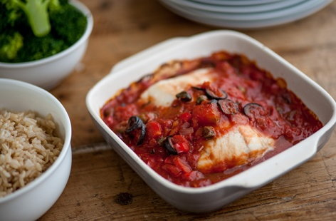 TESCO Great British Chefs baked cod with tomato sauce(t)