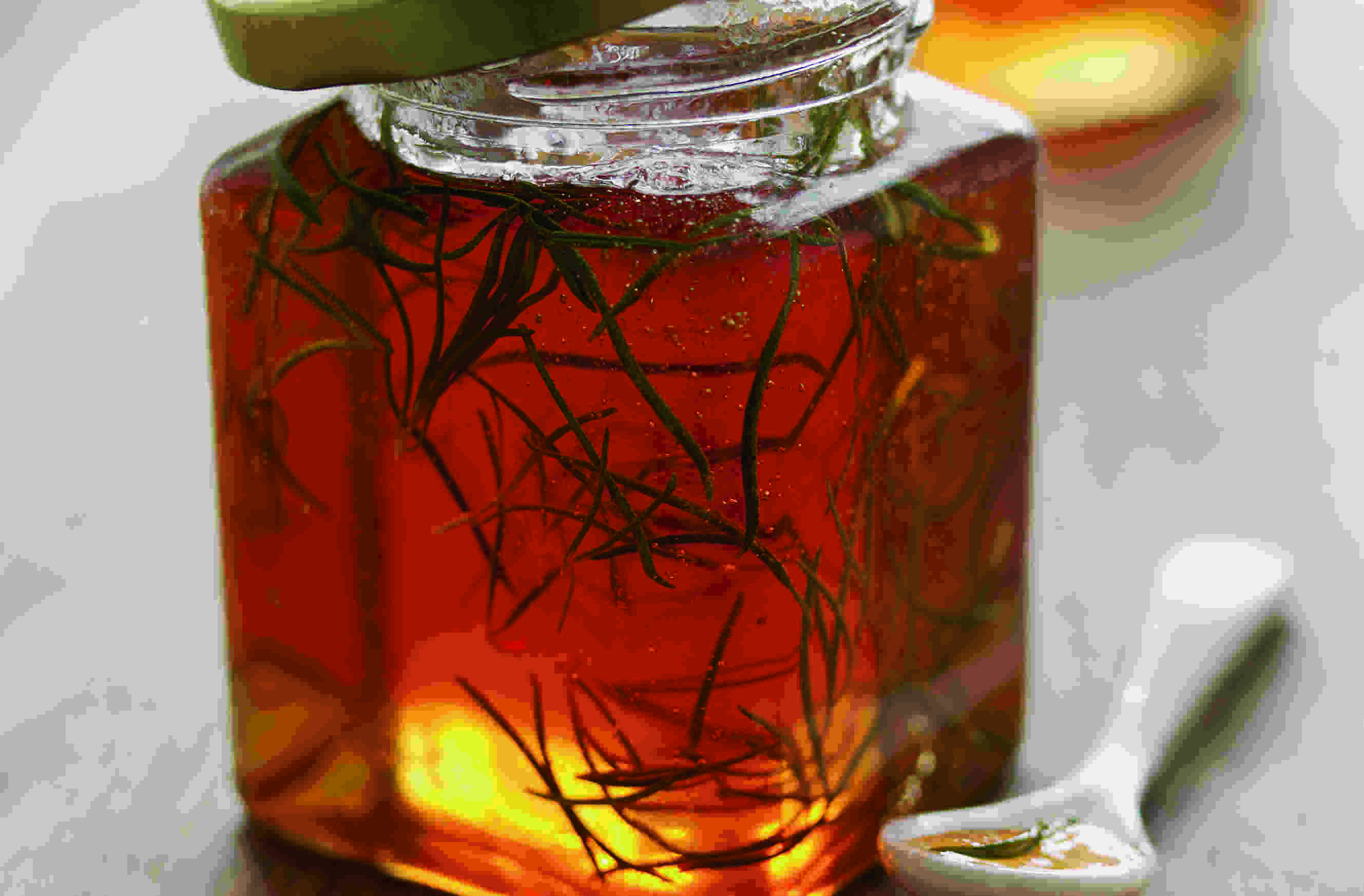 Apple & Rosemary Jelly (t)