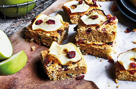 Make the most of seasonal Bramley apples in this apple crumble-inspired healthy flapjack recipe
