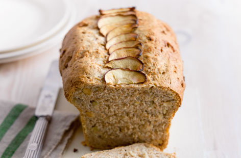 Apple and Hazlenut loaf (T)