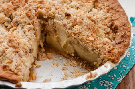 Healthy Apple Crumble Cake Recipe