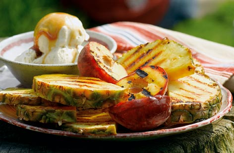 Barbecue peaches and pineapple THUMB