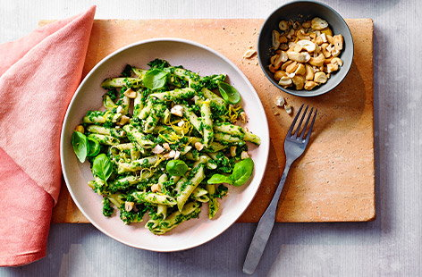 Basil and cashew pesto pasta