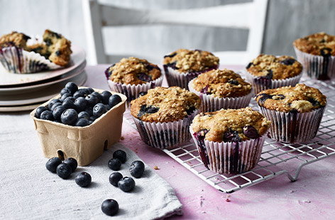Packed full of super sweet blueberries and sprinkled with an indulgent maple streusel topping, these muffins are an ideal Easter treat