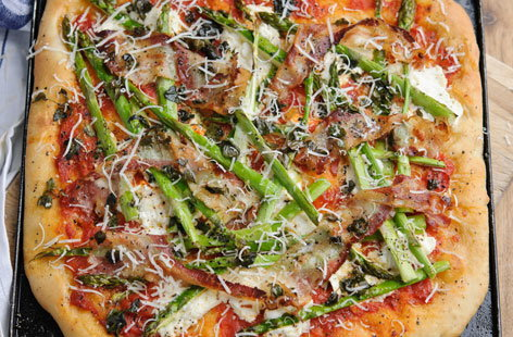 British asparagus pizza (t)