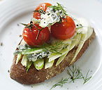 Bruschetta with fennel and blue cheese