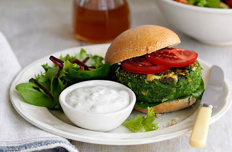 Use a food processor to make these great veggie burgers. The spinach and butter beans are puréed together with salad onions, garlic, cayenne pepper, breadcrumbs and egg yolk, before being made into patties. Serve with some tzatziki and salad leaves.