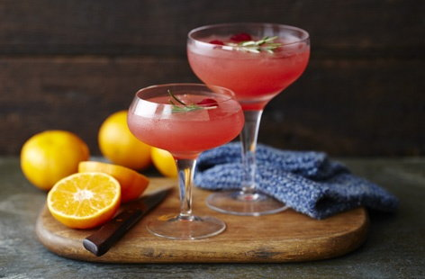 CLEMENTINE, CRANBERRY AND VODKA COCKTAIL   HERO
