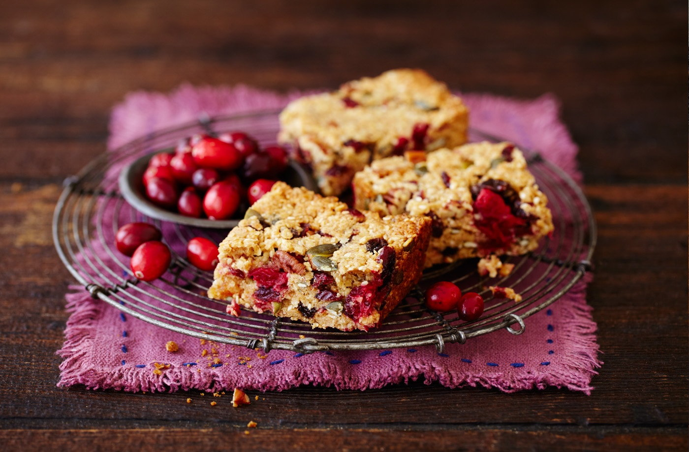 Cranberry, papaya and seed packed granola bars
