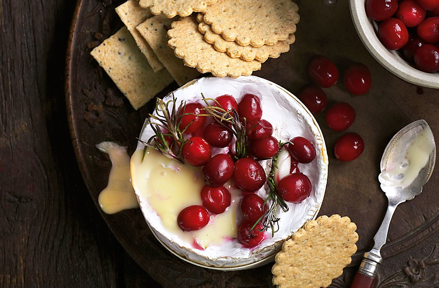 Camembert baked with cranberries