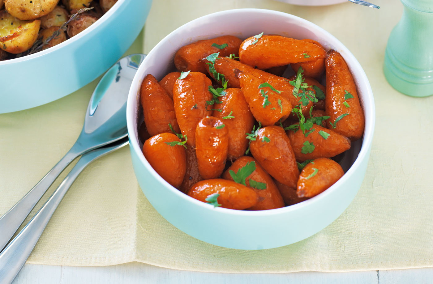 Buttered Chantenay carrots with parsley recipe