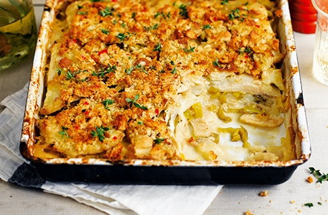 Topped with deliciously zesty breadcrumbs, this healthy vegetarian recipe packs enough heat and flavour to liven up any night of the week