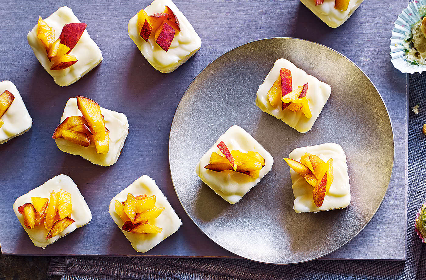 White chocolate and peach cheesecake cubes recipe