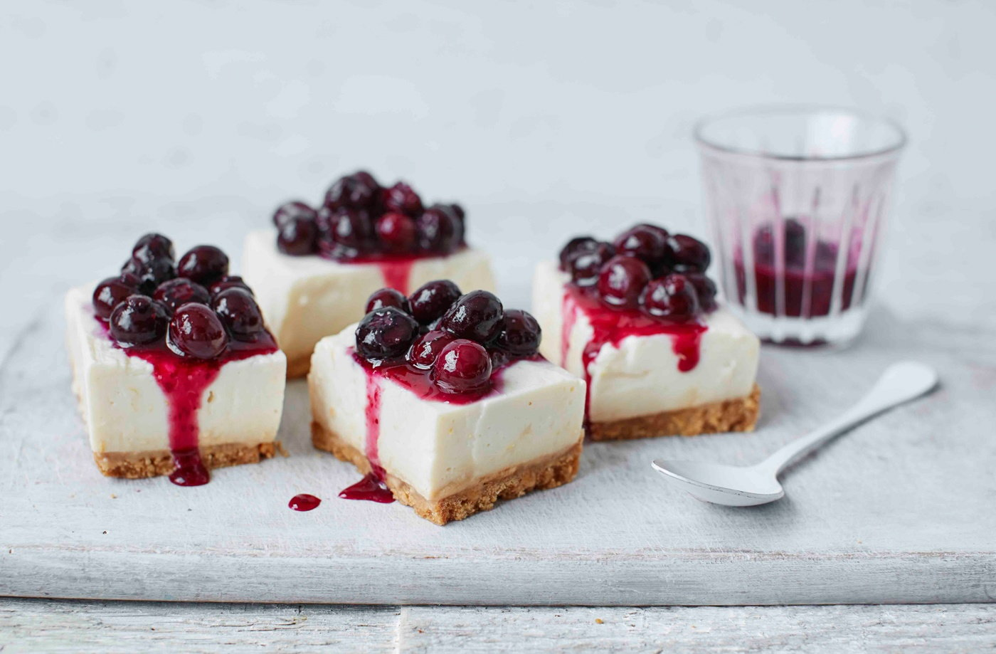 Dairy-free cheesecake-style bars recipe