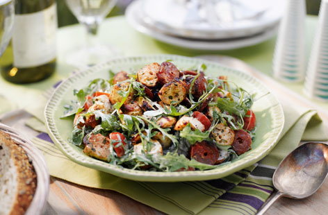 Chicken and chorizo salad T