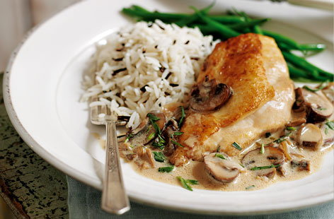 Chicken In Creamy Mushroom Sauce | Tesco Real Food