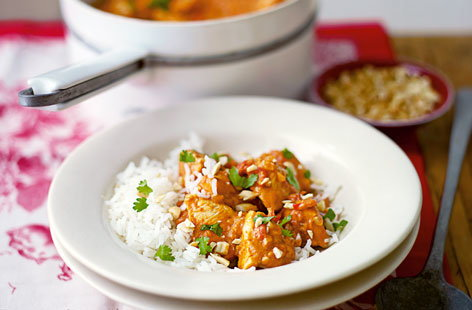 Chicken tomato and peanut curry THUMB
