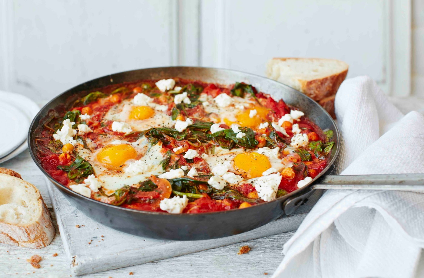 Chickpea and spinach baked eggs recipe