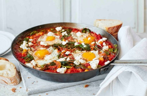Chickpea and spinach baked eggs