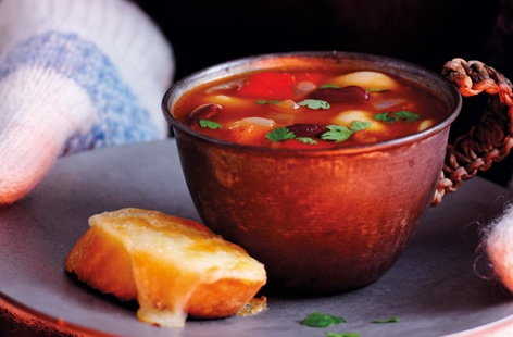 Chilli bean soup with cheesy garlic bread recipe