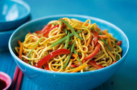 Ken Hom vegetable chow mein recipe