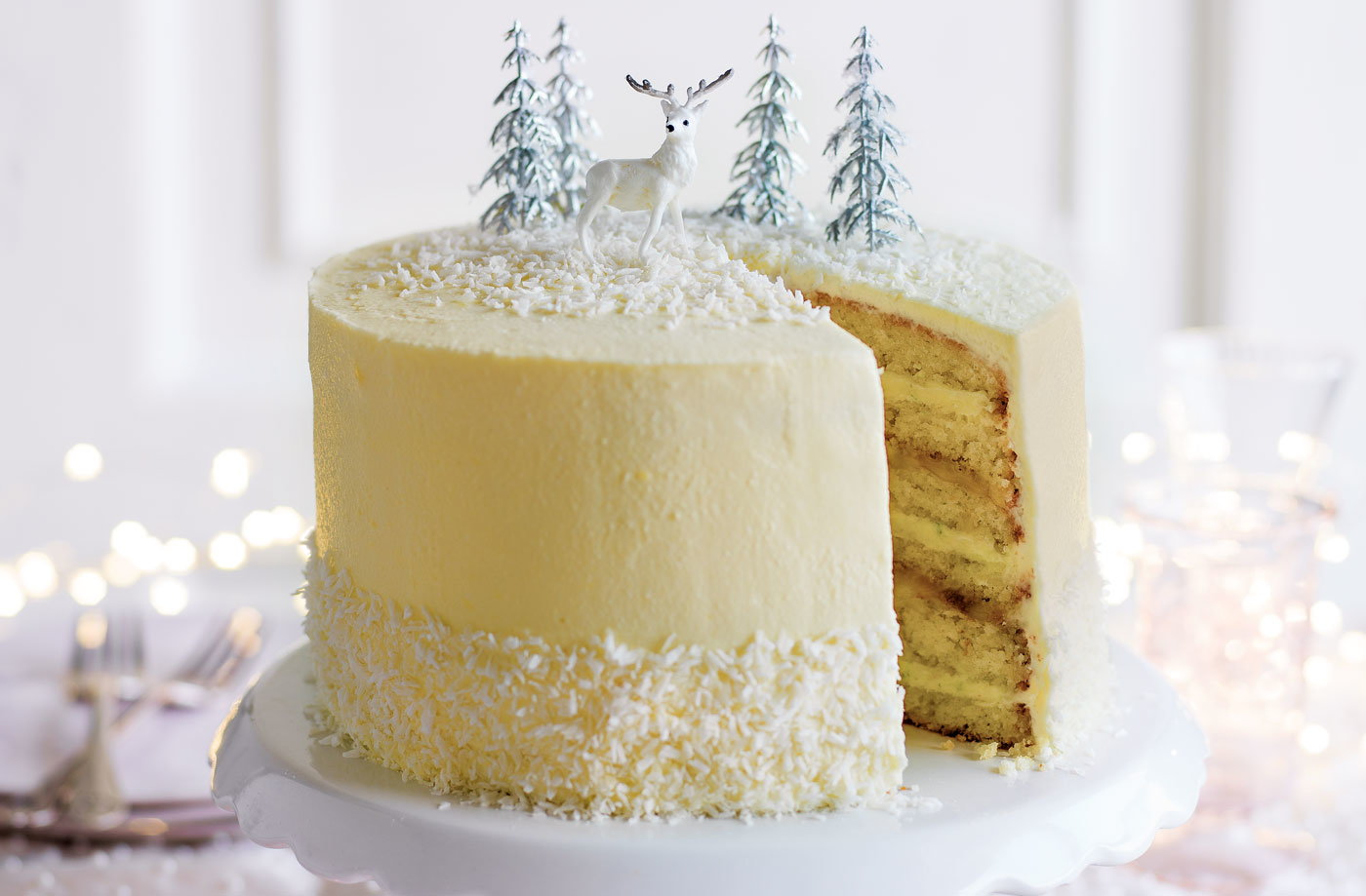 Light Lemon Sponge Cake Recipes: White Christmas Limoncello Cake