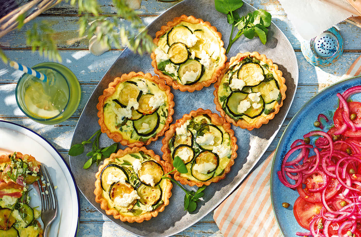 Watercress, courgette and ham quiches