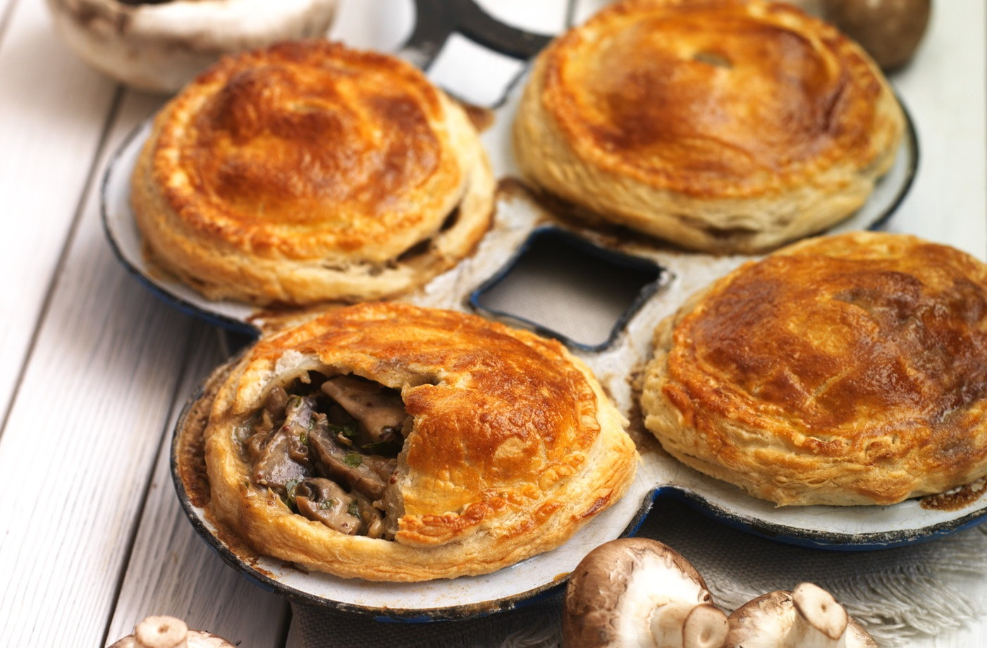steak and mushroom pie with puff pastry