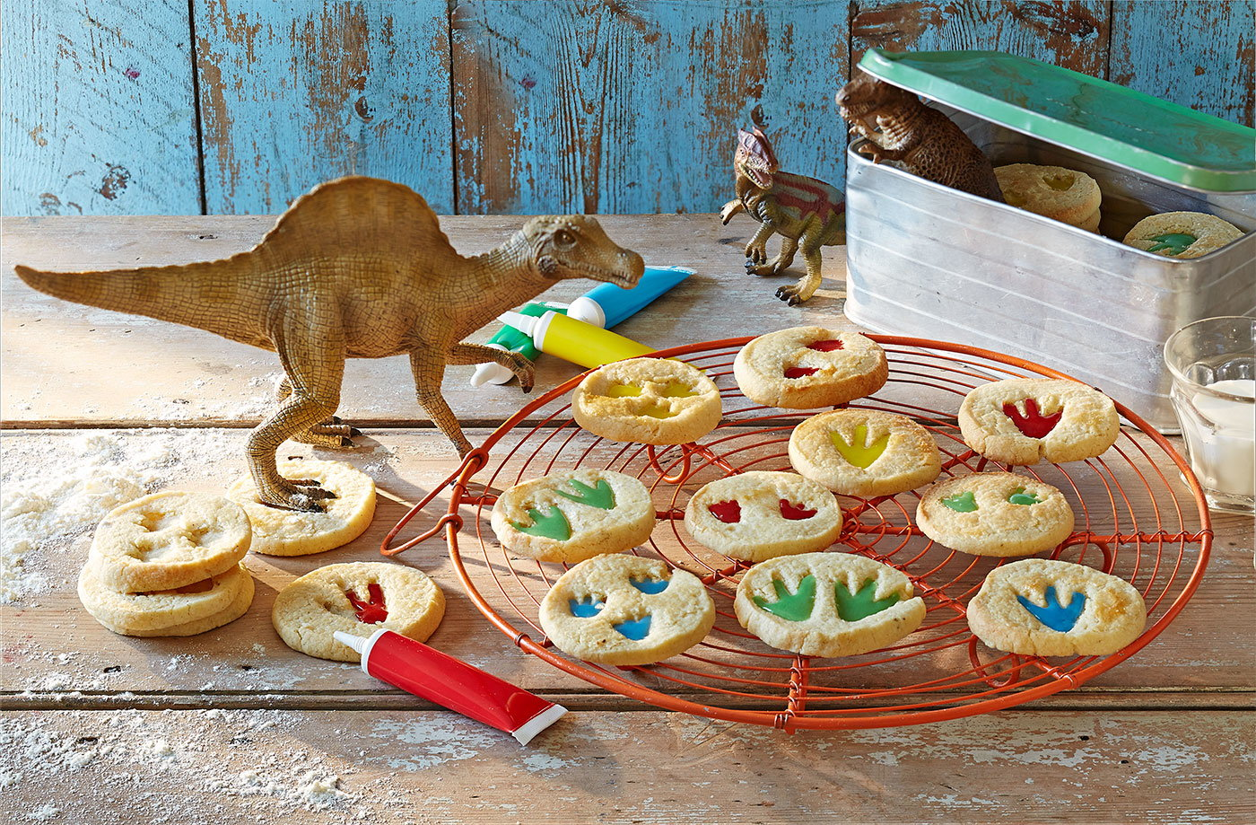 dinosaur footprint biscuits