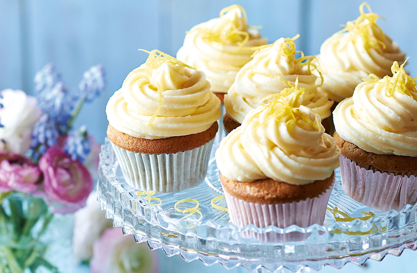 Earl Grey cupcakes with lemon icing