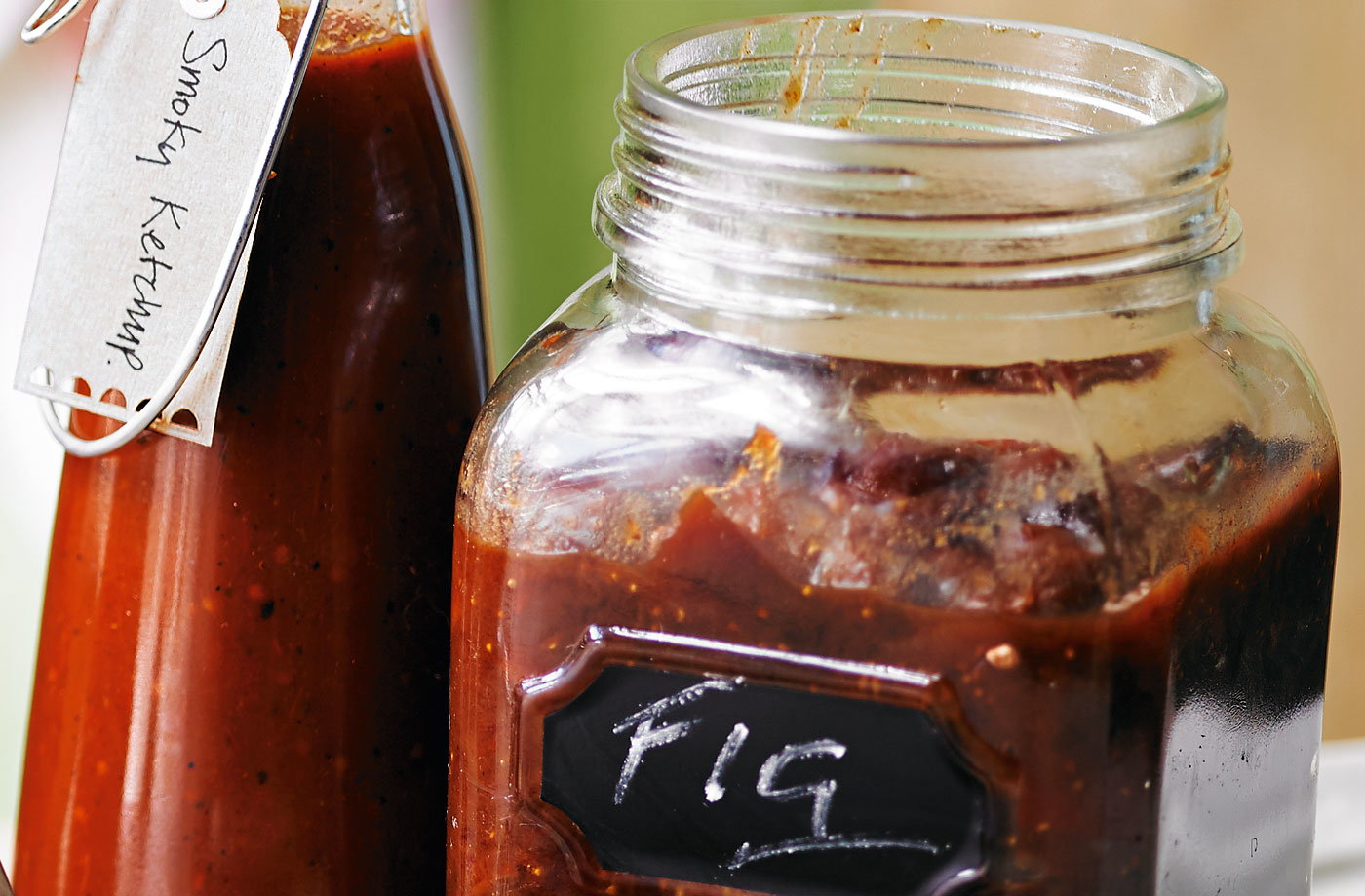 Fig, date and onion chutney