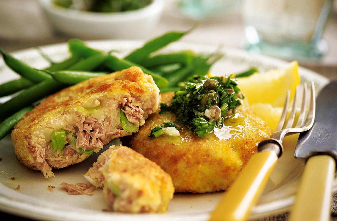 Tuna fishcakes with salsa verde tesco real food for Fish food golf balls