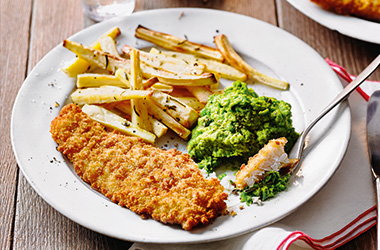 Fish with parsnip chips