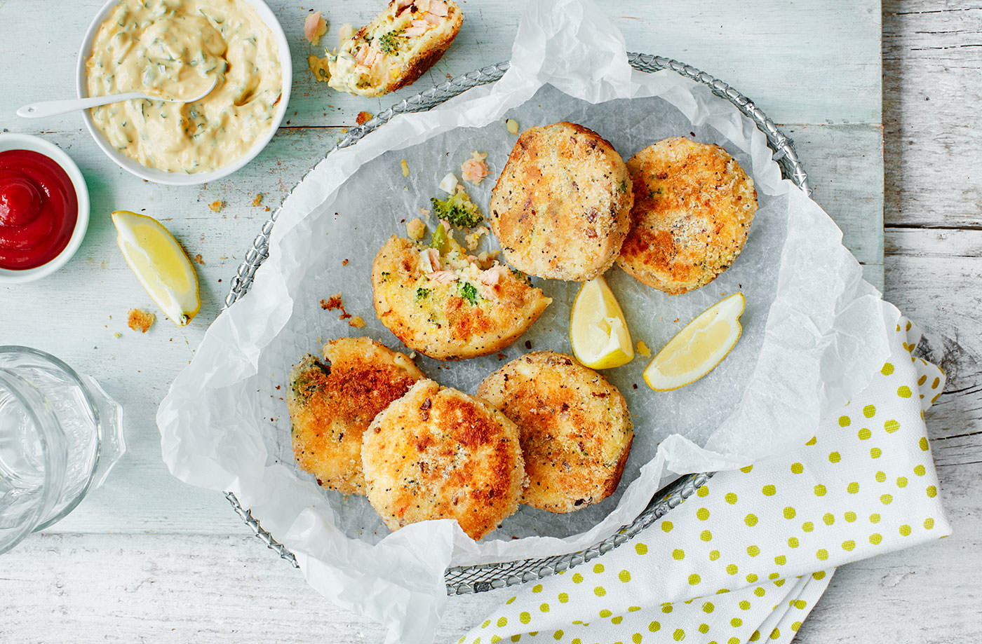 Mini salmon, broccoli and egg fishcakes