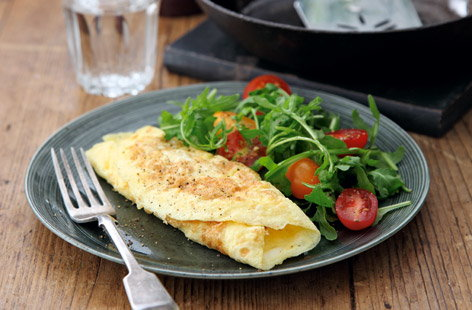 Classic rolled French omelette