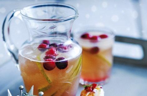 Frosted pear and cranberry punch