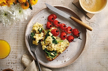 Green scrambled eggs