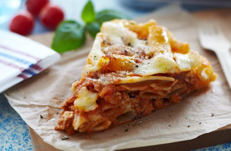 Turkey and tomato pasta cake