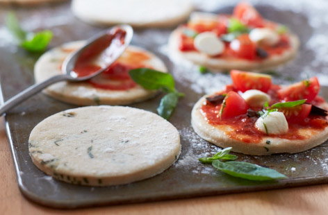Gluten-free basil pizza recipe