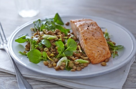 Grilled salmon with lentils