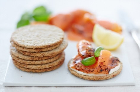 Oatcakes with smoked salmon