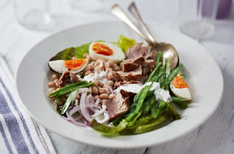 Fresh tuna nicoise