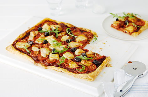 Tomato, red onion and halloumi pizza-style tart