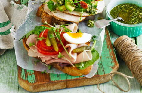 Ham and eggs sandwich (T)