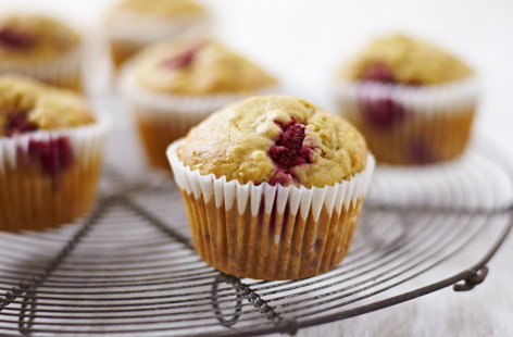 Healthy GlutenFreeRaspberryandBananaMuffins Th