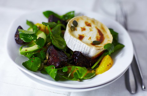 Roast beetroot and goat's cheese salad | Tesco Real Food