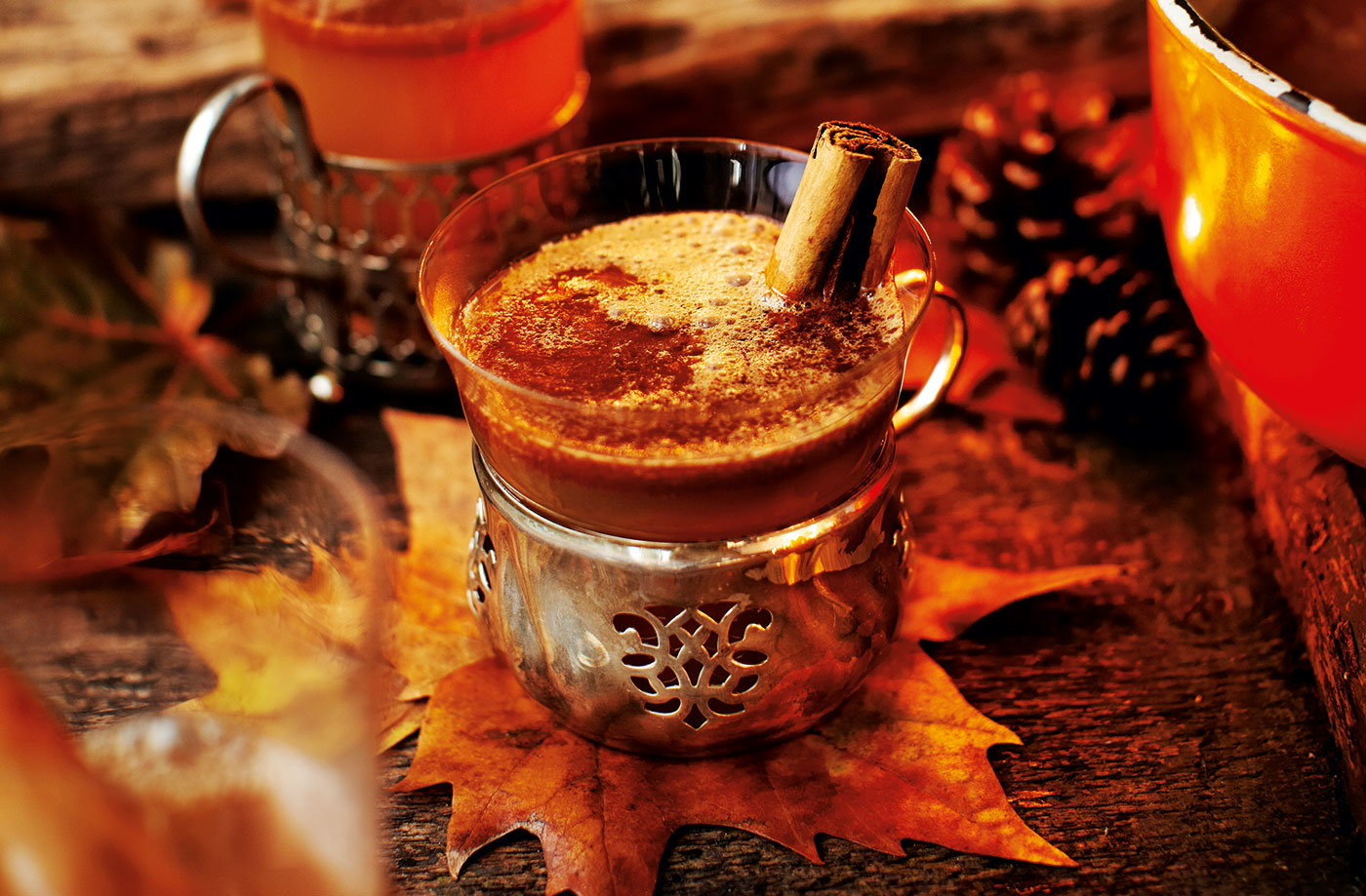 Hot buttered rum with apple, cider and cinnamon | Tesco Real Food
