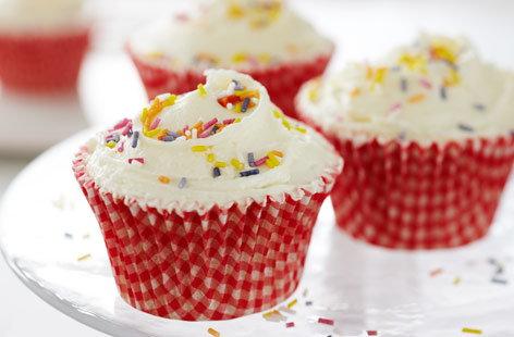 Vanilla Cupcakes Cupcake Recipes Tesco Real Food