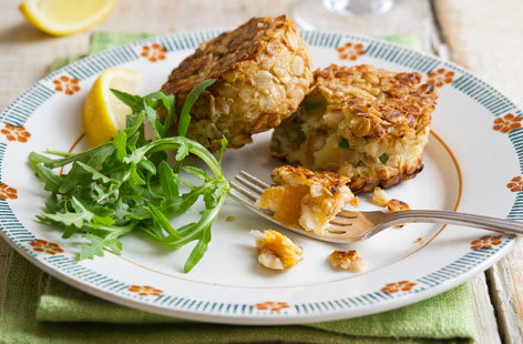 Kipper fishcakes with oatmeal crust 2 (t)