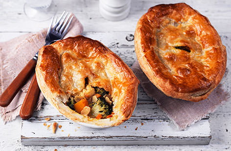 Vegetable korma pies